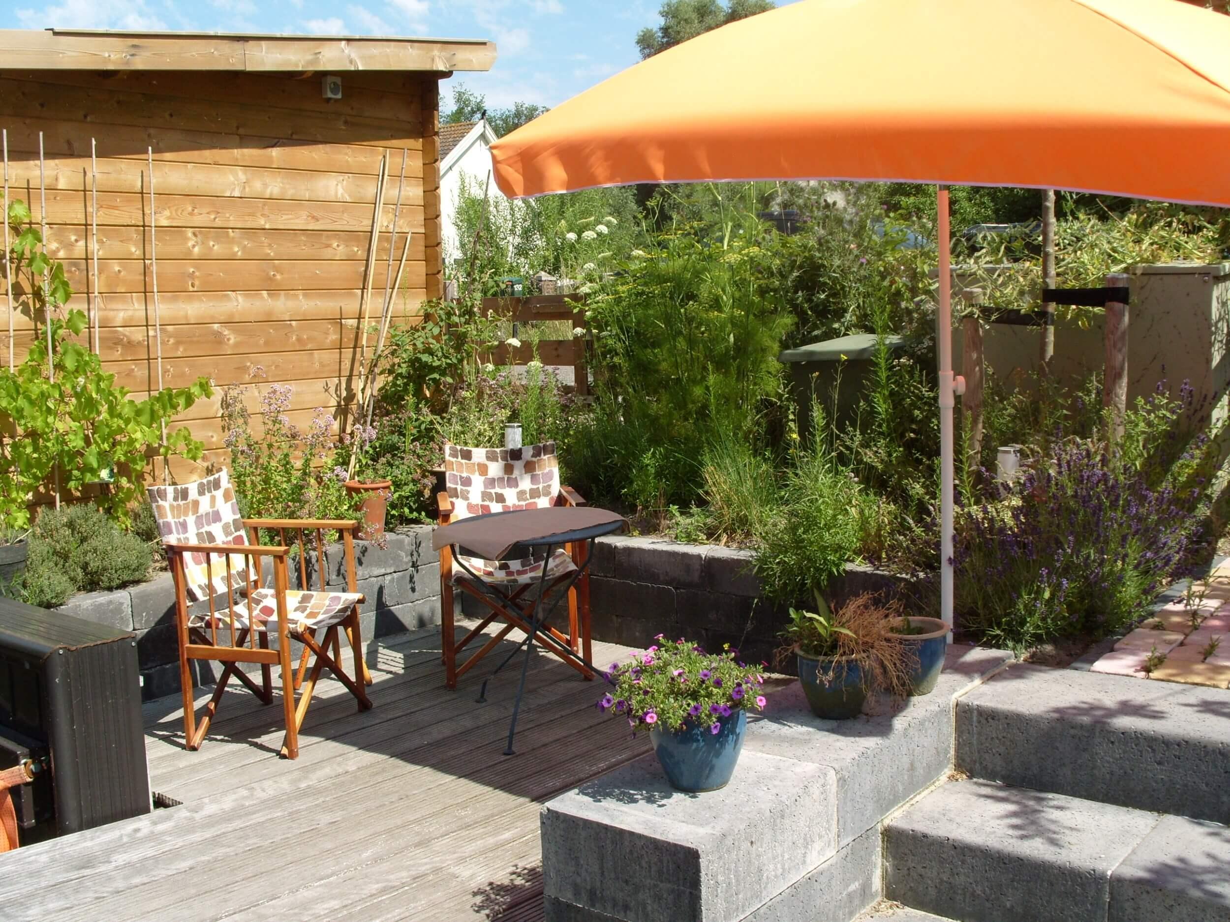 Ontbijt in de tuin - Houseboat Harmony - Bed & Breakfast Utrecht (2)